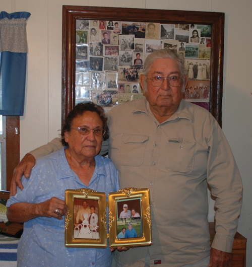 They will celebrate their 60th wedding anniversary in June Los Pollitos